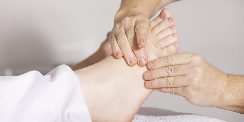 physiotherapy 2133286 960 720 840x420 - Know the Benefits of Physiotherapy Treatment at Home
